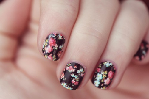Fancy Floral Nails