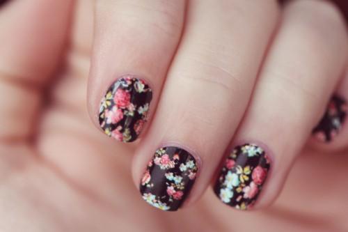 Fancy Floral Nails